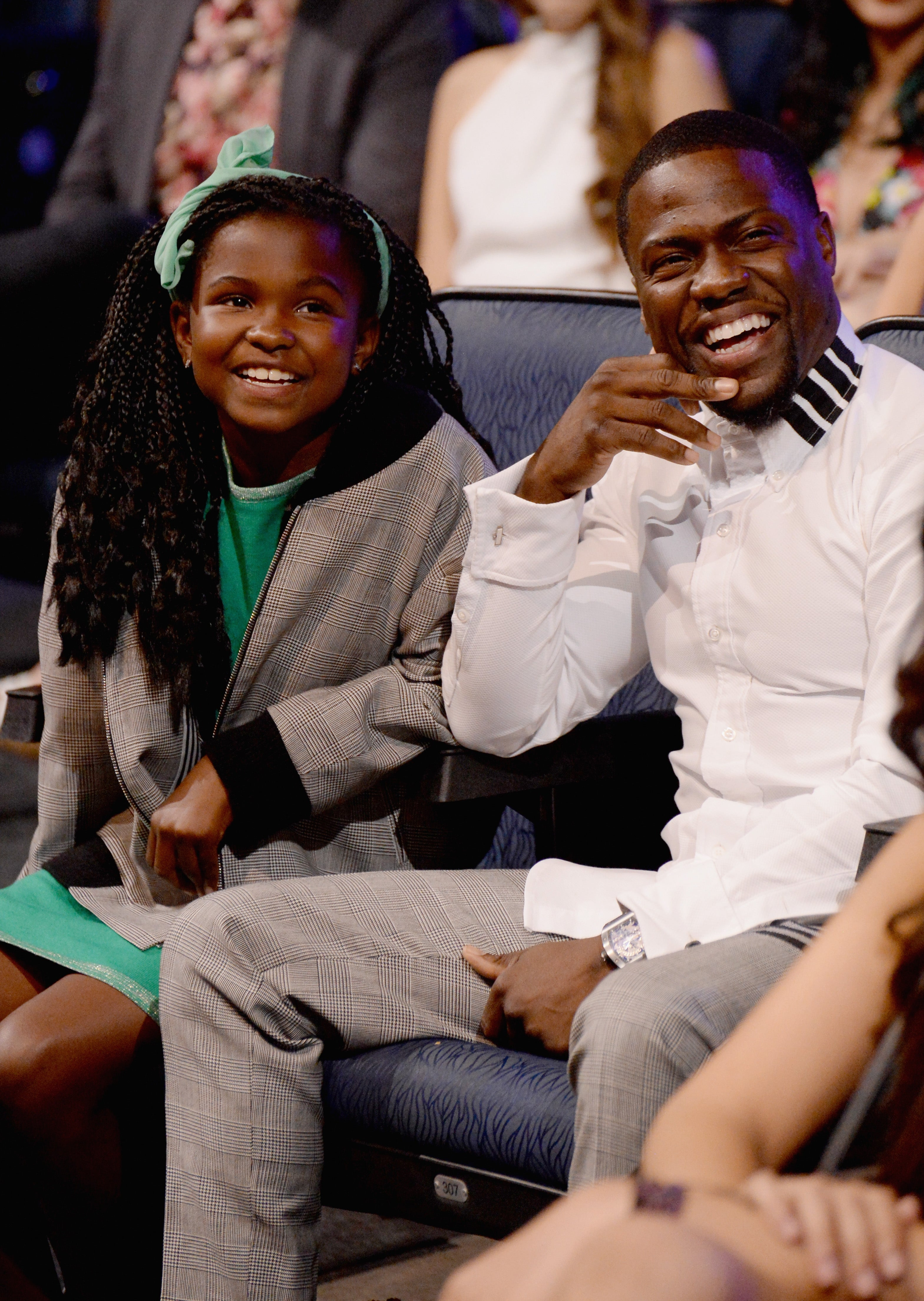 Proud Dad Kevin Hart Congratulates Daughter Heaven On Her Graduation: 'The World Is Yours'
