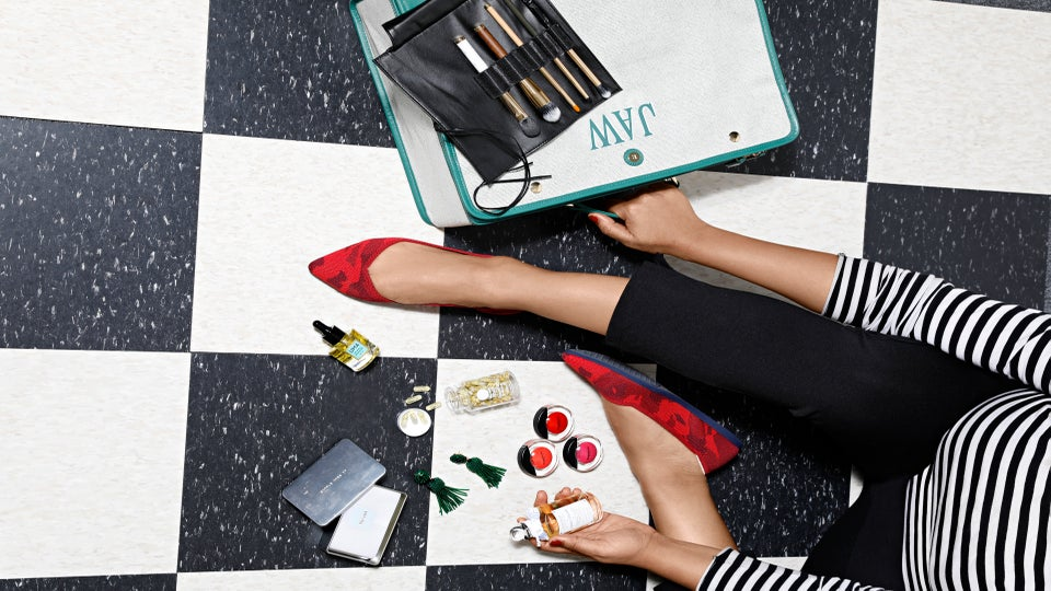 Dope Stuff On My Desk: Grab These Beauty And Fashion Items For Your Next Weekend Getaway