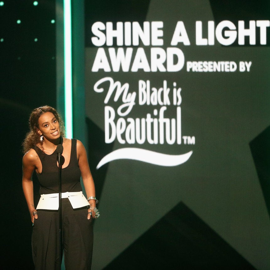 Solange Honoring Women's March Co-Chair Tamika Mallory At The BET Awards Is A Must-See Moment