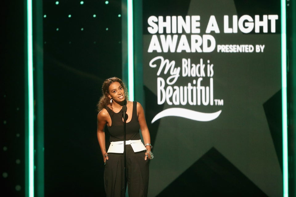 Solange Honoring Women's March Co-Chair Tamika Mallory At The BET Awards Is A Must-See