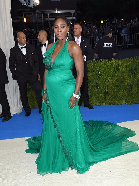 Serena Williams Bares Baby Bump On Cover Of 'Vanity Fair'
