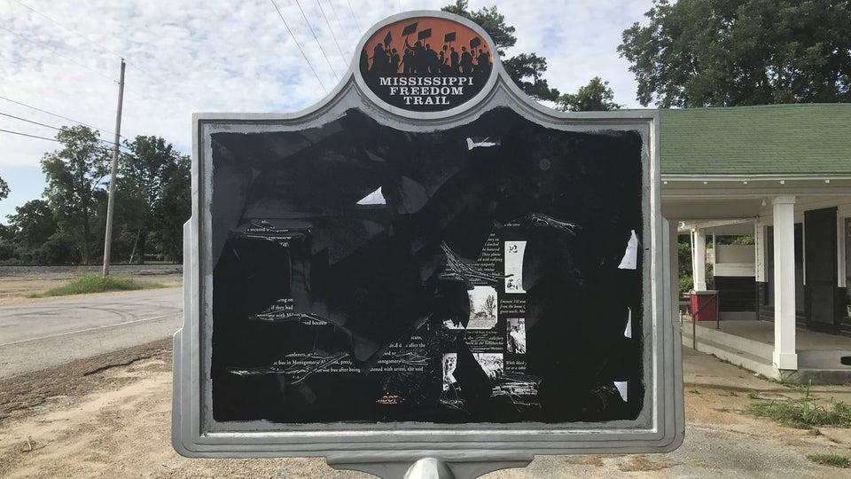Students FloodPositive Messages OverVandalizedEmmett Till MississippiLandmark