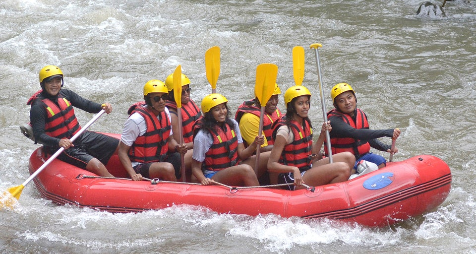The Obamas Goes River Rafting In Bali During Vacation To Indonesia