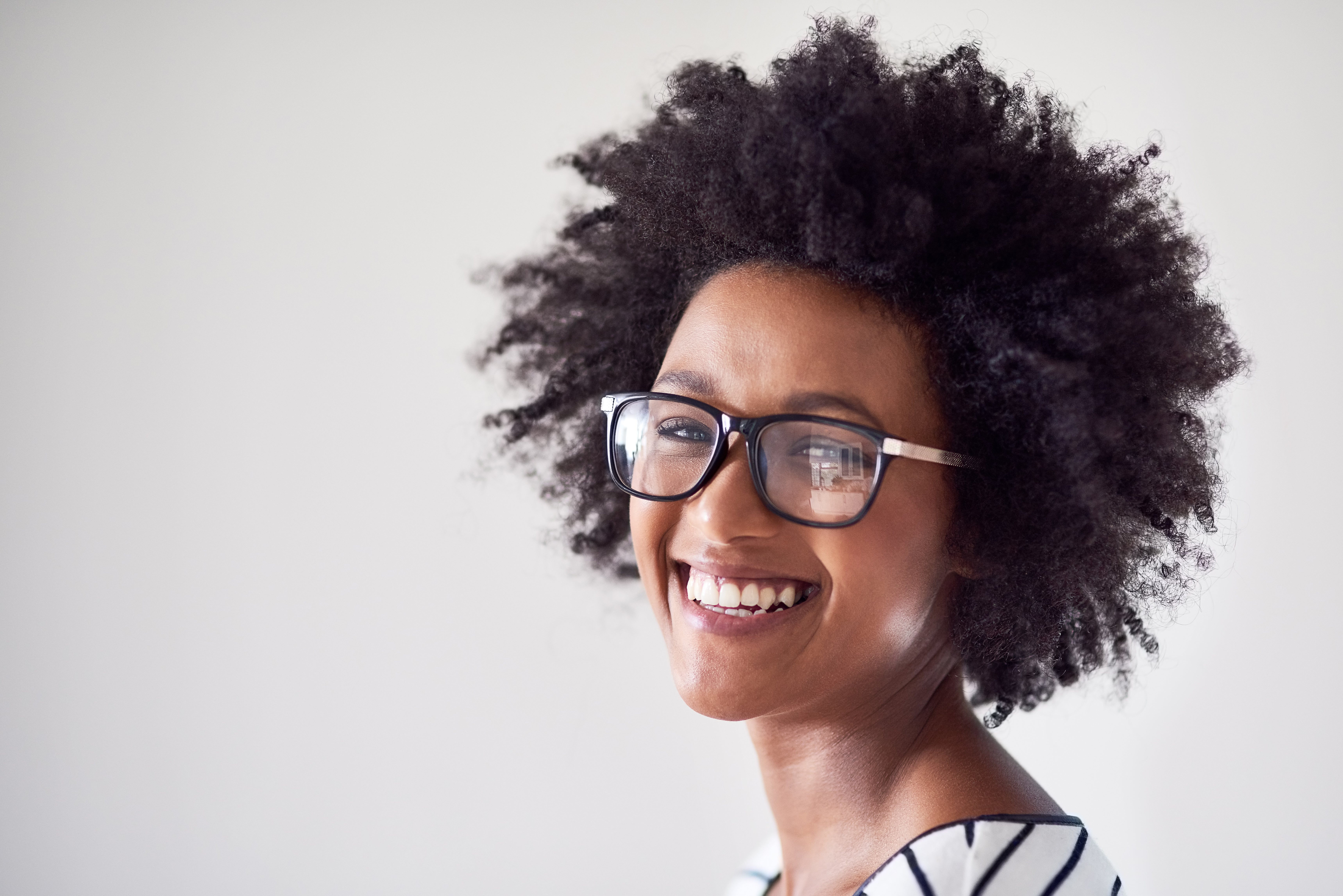 3 Easy Tests That Will Help Determine Your Hair's Porosity