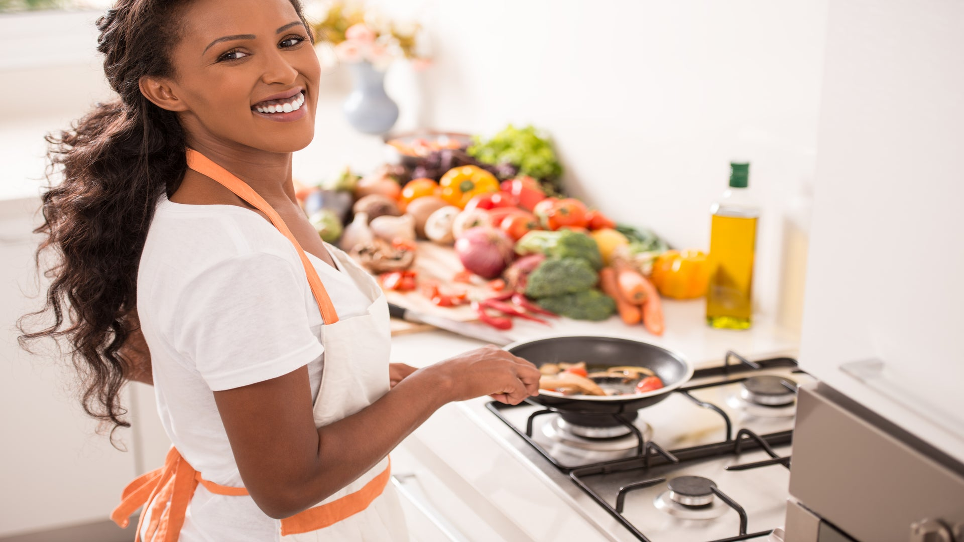 20 Handy Kitchen Items Under $75 Every Woman Should Have In Her Kitchen