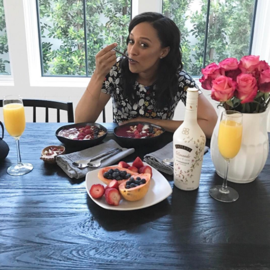 10 Times Foodie Tia Mowry's Timeline Had Us Drooling