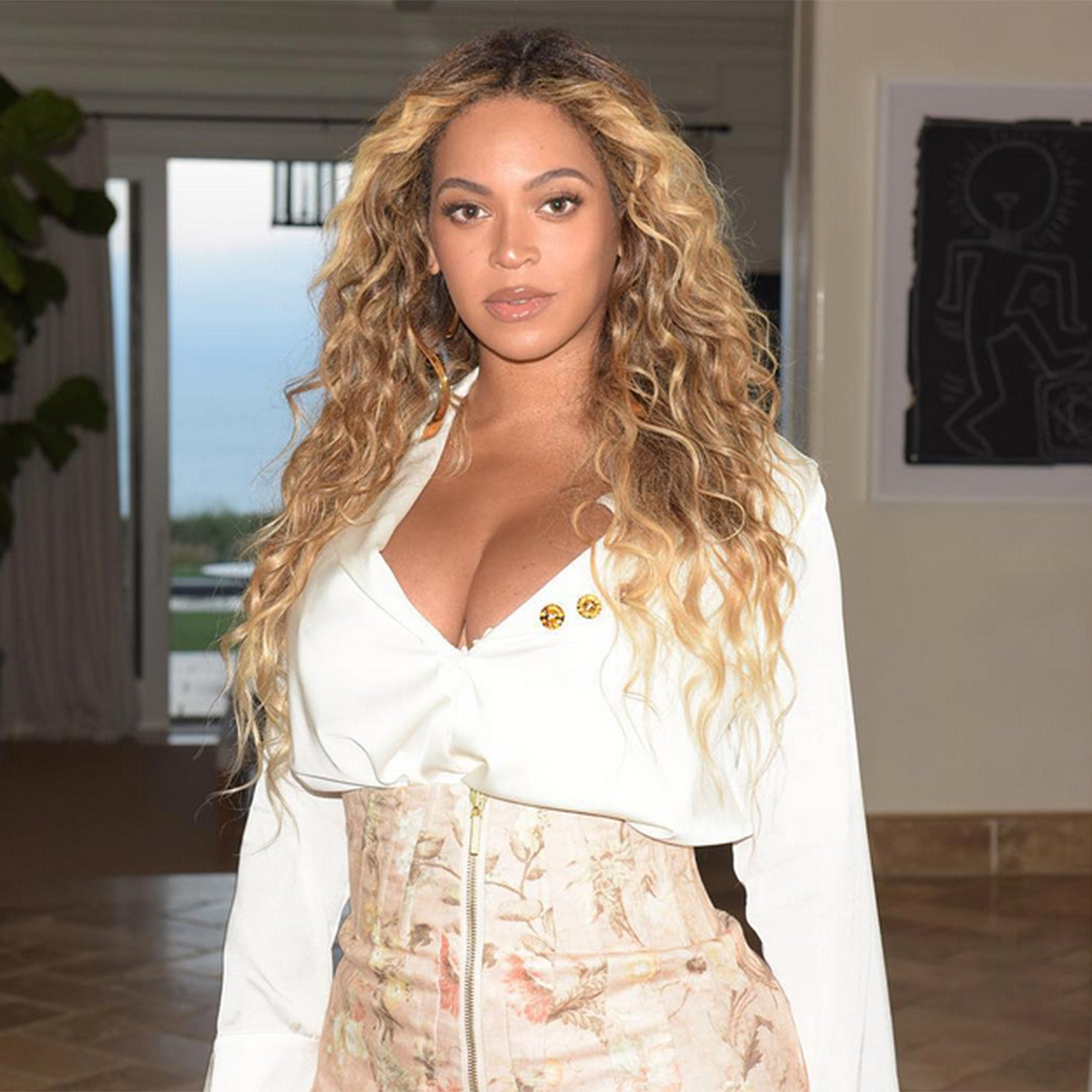 Mom Of 3 Beyoncé Steps Out In Curve-Hugging Mini One Month After Welcoming Twins