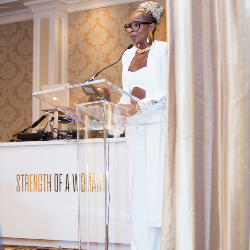 Mary J. Blige Was Moved To Tears As She ReceivedThe ESSENCE Icon Award During 'Strengh Of AWoman' Brunch