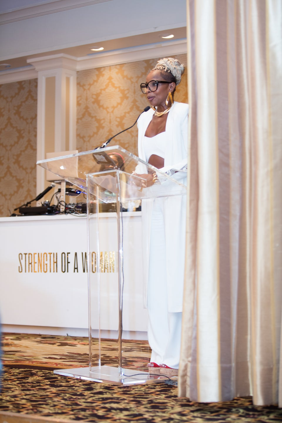 Mary J. Blige Was Moved To Tears As She Received The ESSENCE Icon Award During 'Strength Of A Woman' Brunch