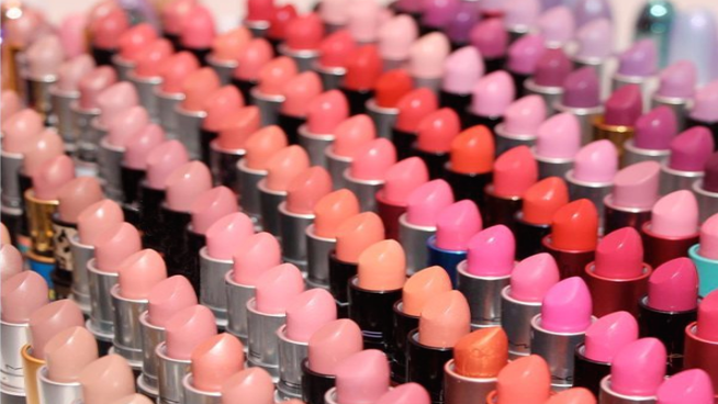 MAC Is #Blessing Us On National Lipstick Day With A Free full-sized Lipstick