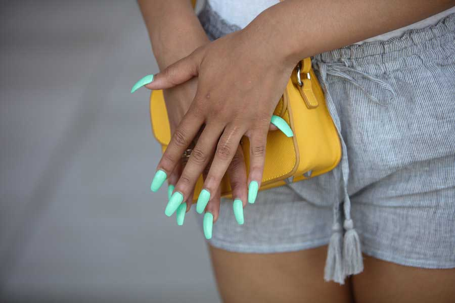 19 Poppin Press Ons To Try When You Don T Have Time For The Nail Salon