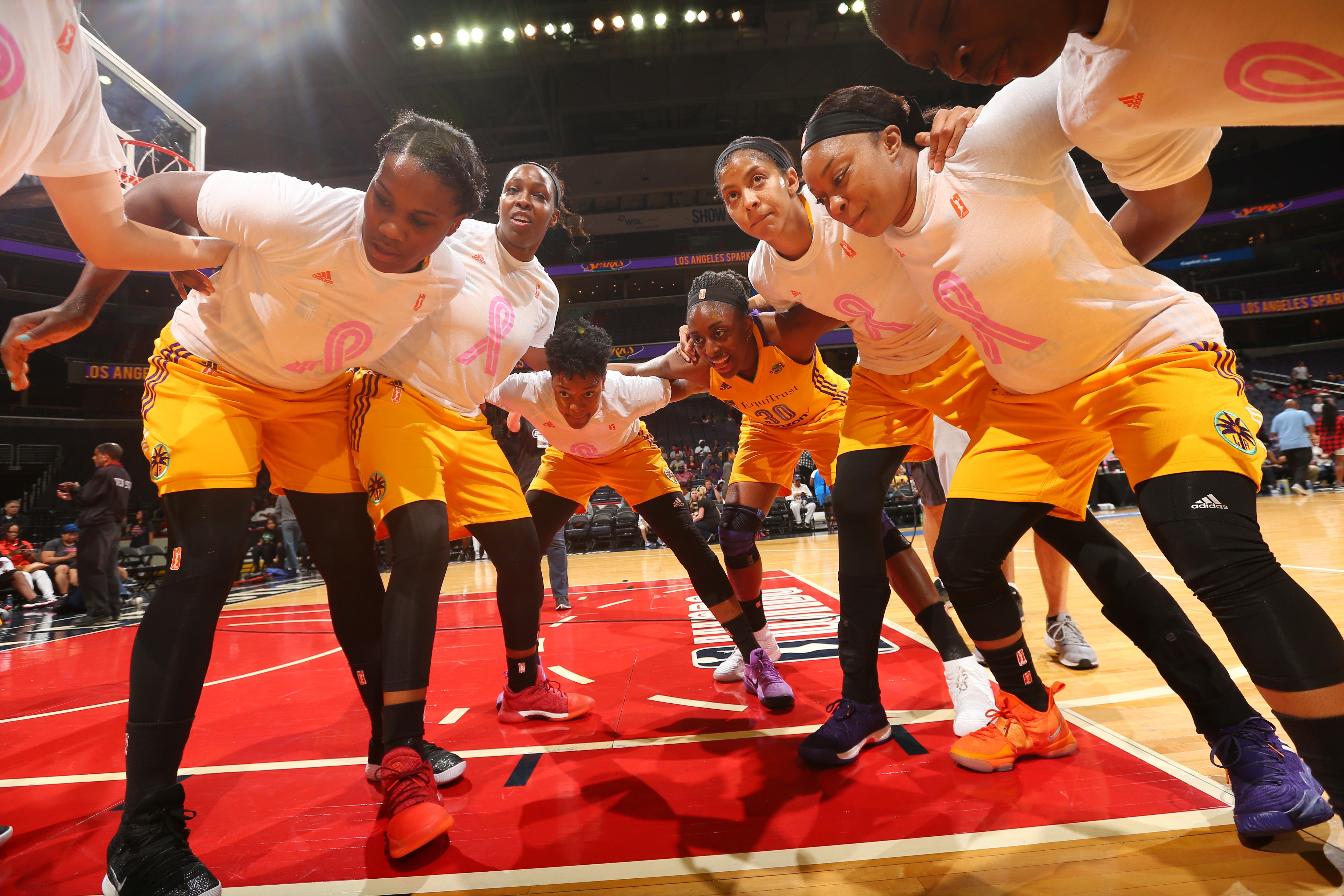 WNBA Teams Unite For National Anthem Protest After White Supremacist Violence In Charlottesville