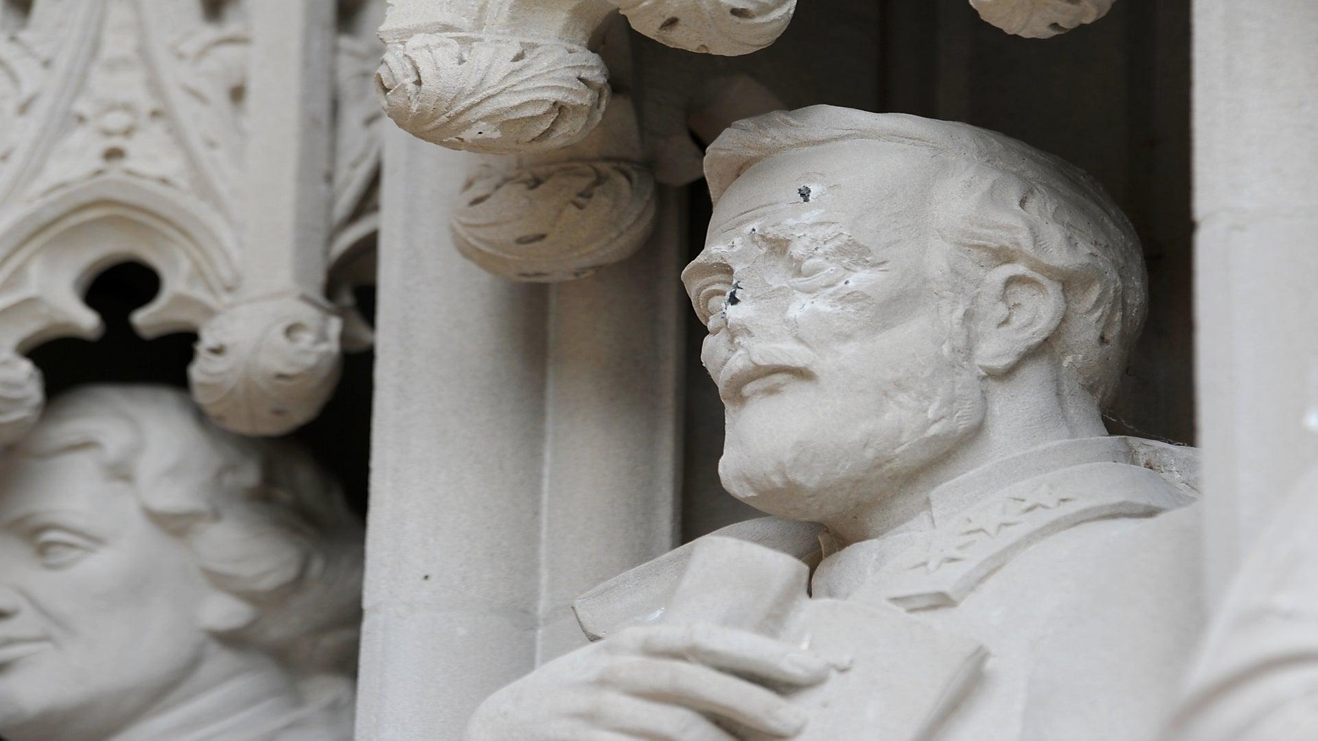 Duke University Takes Down Gen. Robert E. Lee Statue