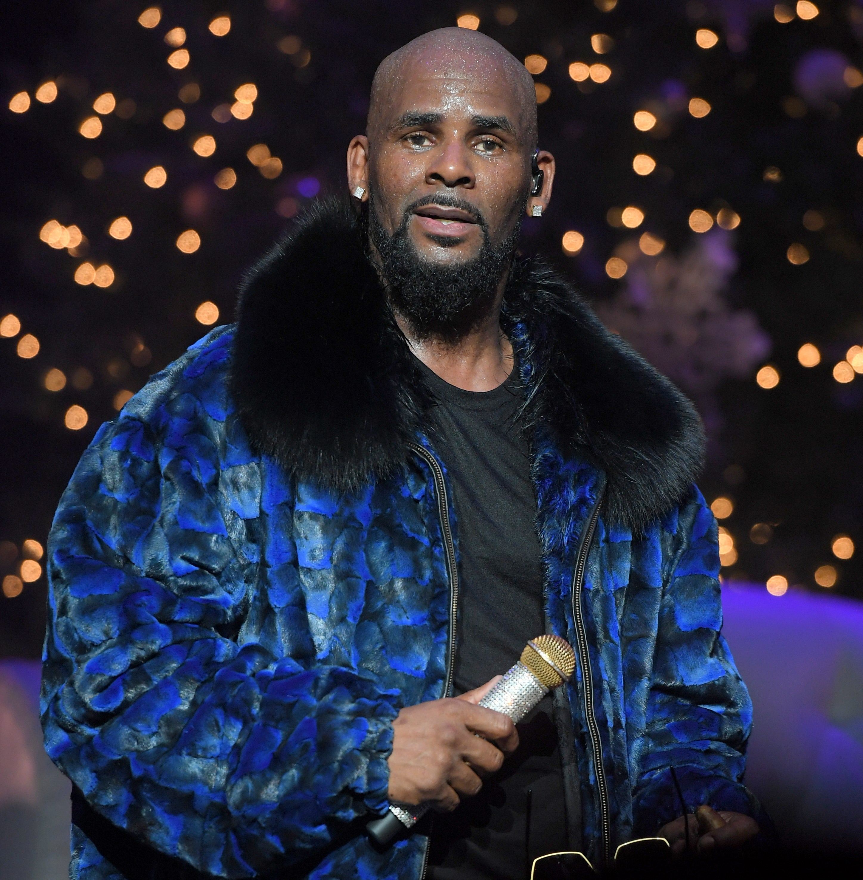 R. Kelly Reportedly Dropped By Music Label