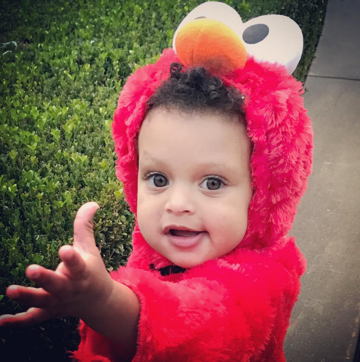 cute photos of ayesha and steph curry u0026 39 s daughters riley