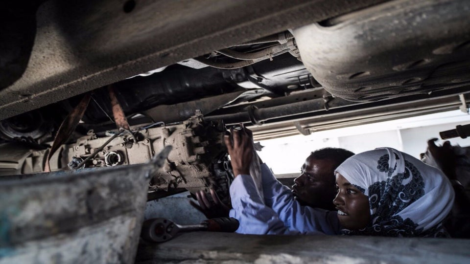 This 18-Year-Old Beauty Is Somalia's First Female Mechanic