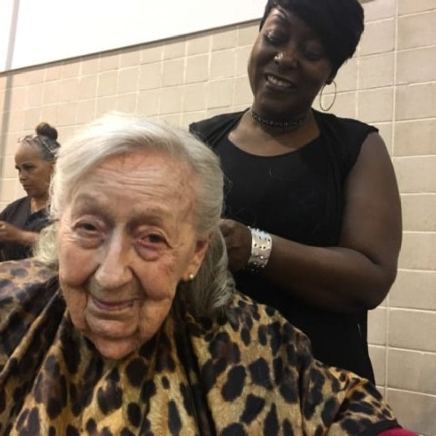A Group of Volunteer Hairstylists Came Together to Pamper Hurricane Harvey Evacuees