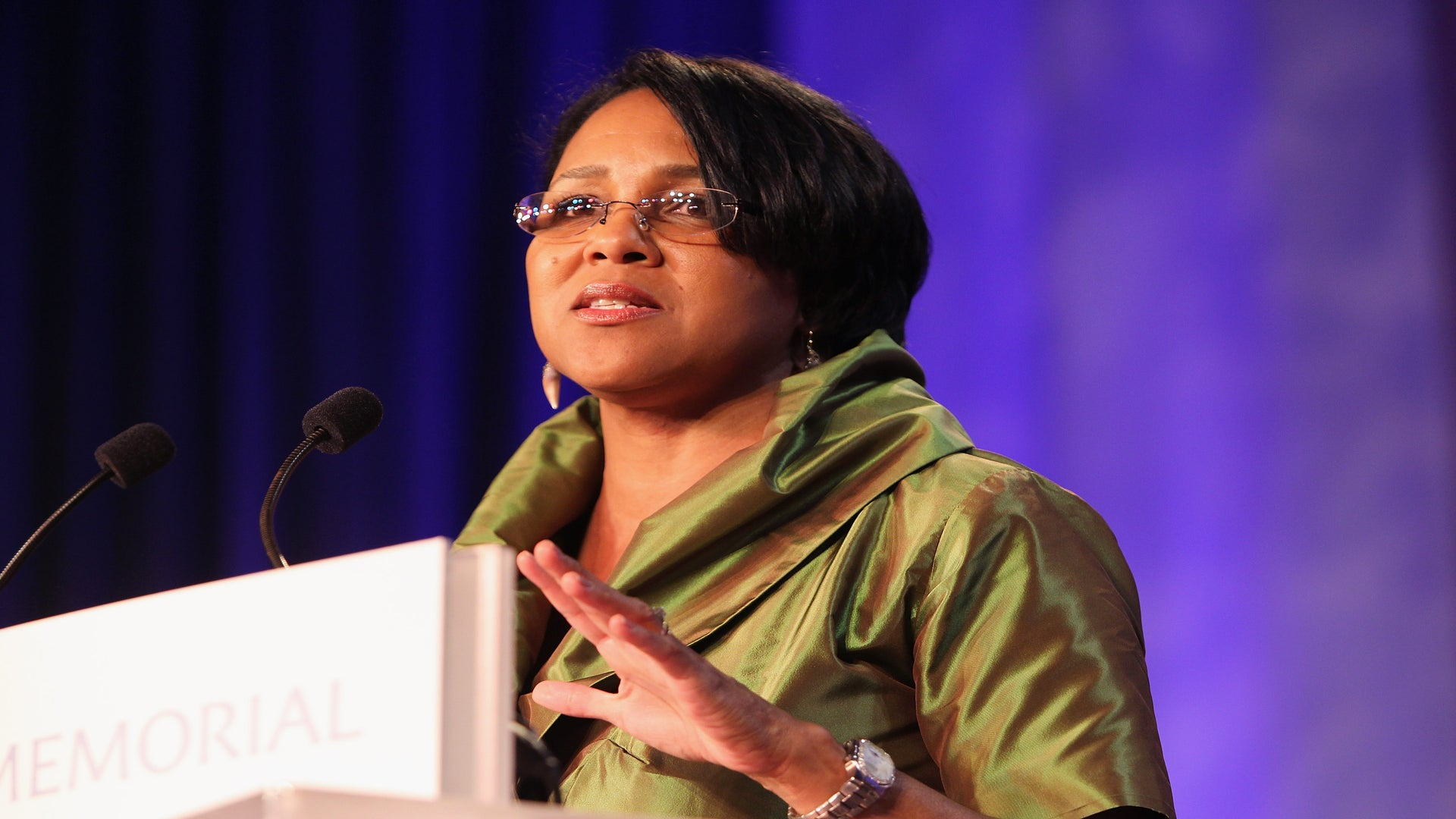 Rosalind Brewer Just Became The First Black Woman COO Of Starbucks
