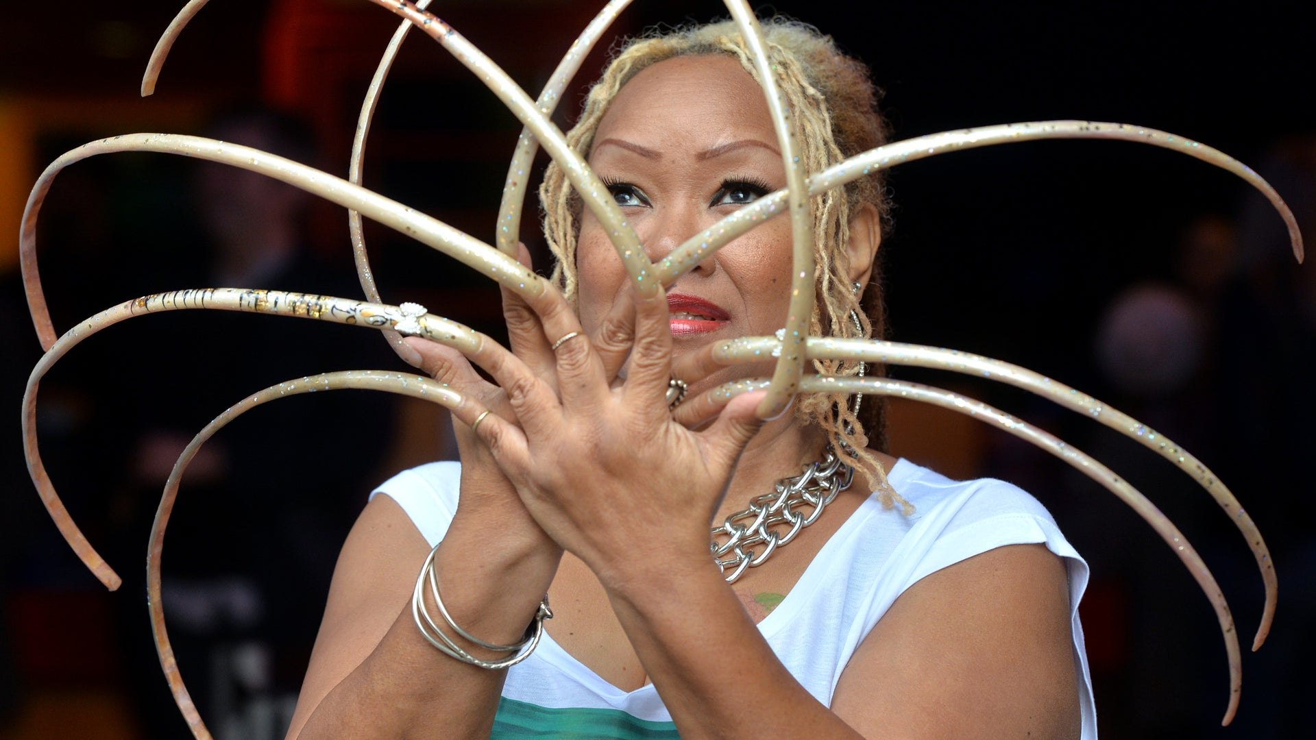 Texas Woman Who Grew Her Fingernails Over 18 Feet Long Shares Her Daily Routine