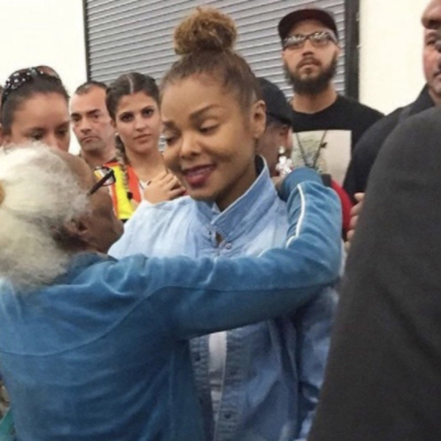 Janet Jackson Meets Harvey Evacuees While Beyoncé, Kevin Hart and More Roll Up Their Sleeves in Houston