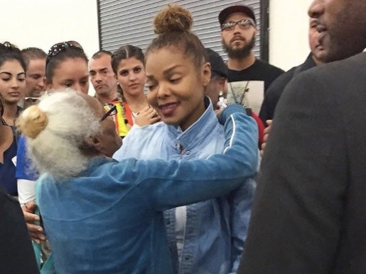 Janet Jackson Meets Harvey Evacuees While Beyoncé, Demi Lovato and More Roll Up Their Sleeves in Houston