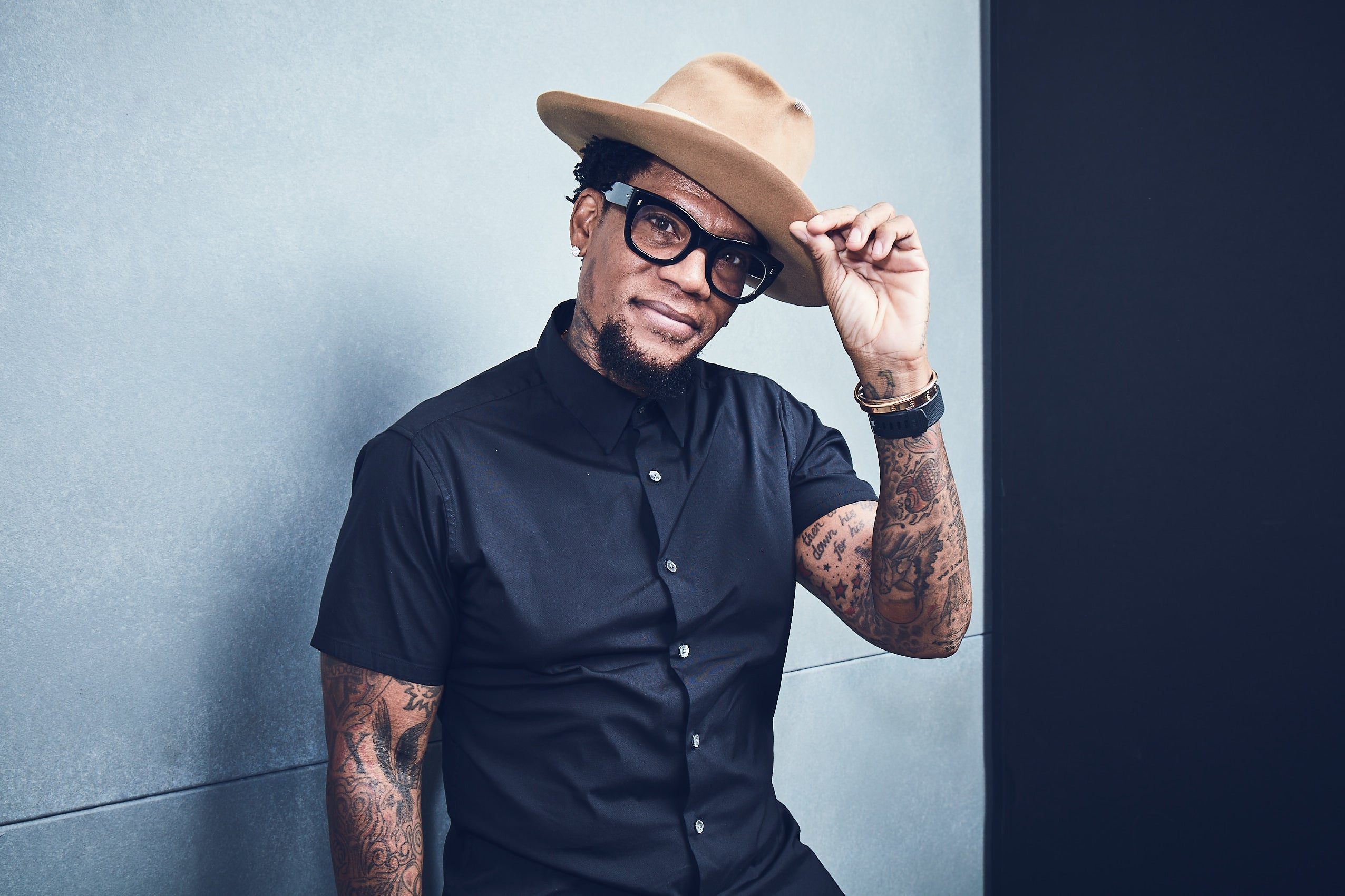 D.L. Hughley Shares How He Really Feels About Black Women: 'I Love You, But It Hurts in the Morning'