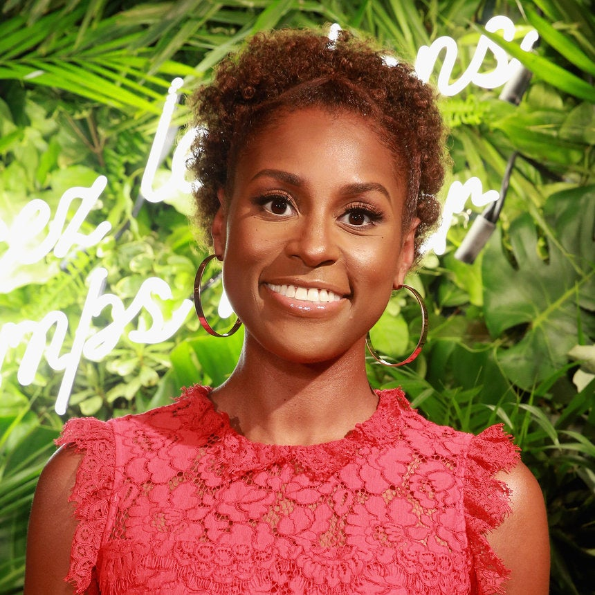 'Insecure' Star Issa Rae Says Being Famous Feels Like Being 'Popular In High School'