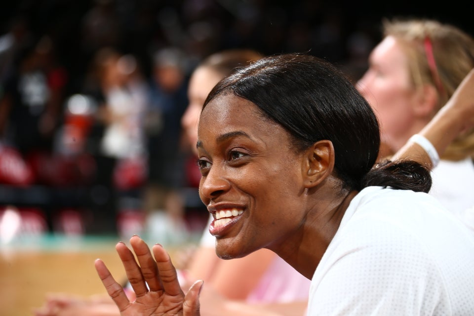 Retired WNBA Player Swin Cash Poses Nude For Glossier's 'Body Hero' Campaign