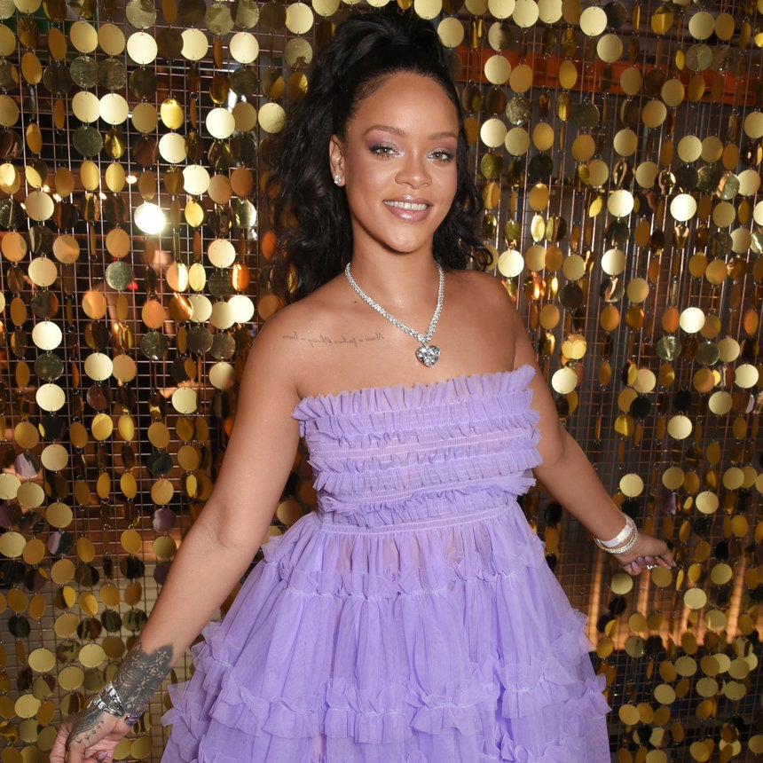 How ToGet Rihanna's Perfect Monochromatic Makeup Look