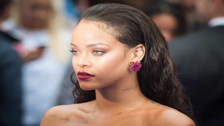 Rihanna Confirmed That Fenty Beauty Will Include 40 Foundation Shades