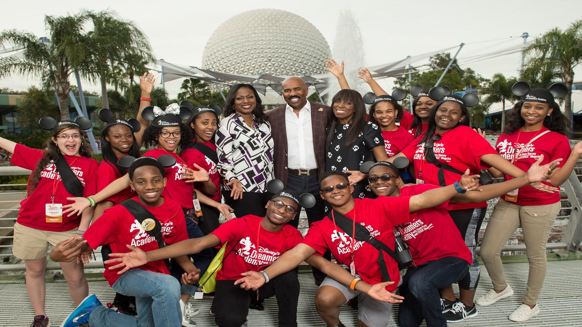 Last Call for 2018 Disney Dreamers Academy High School Applicants