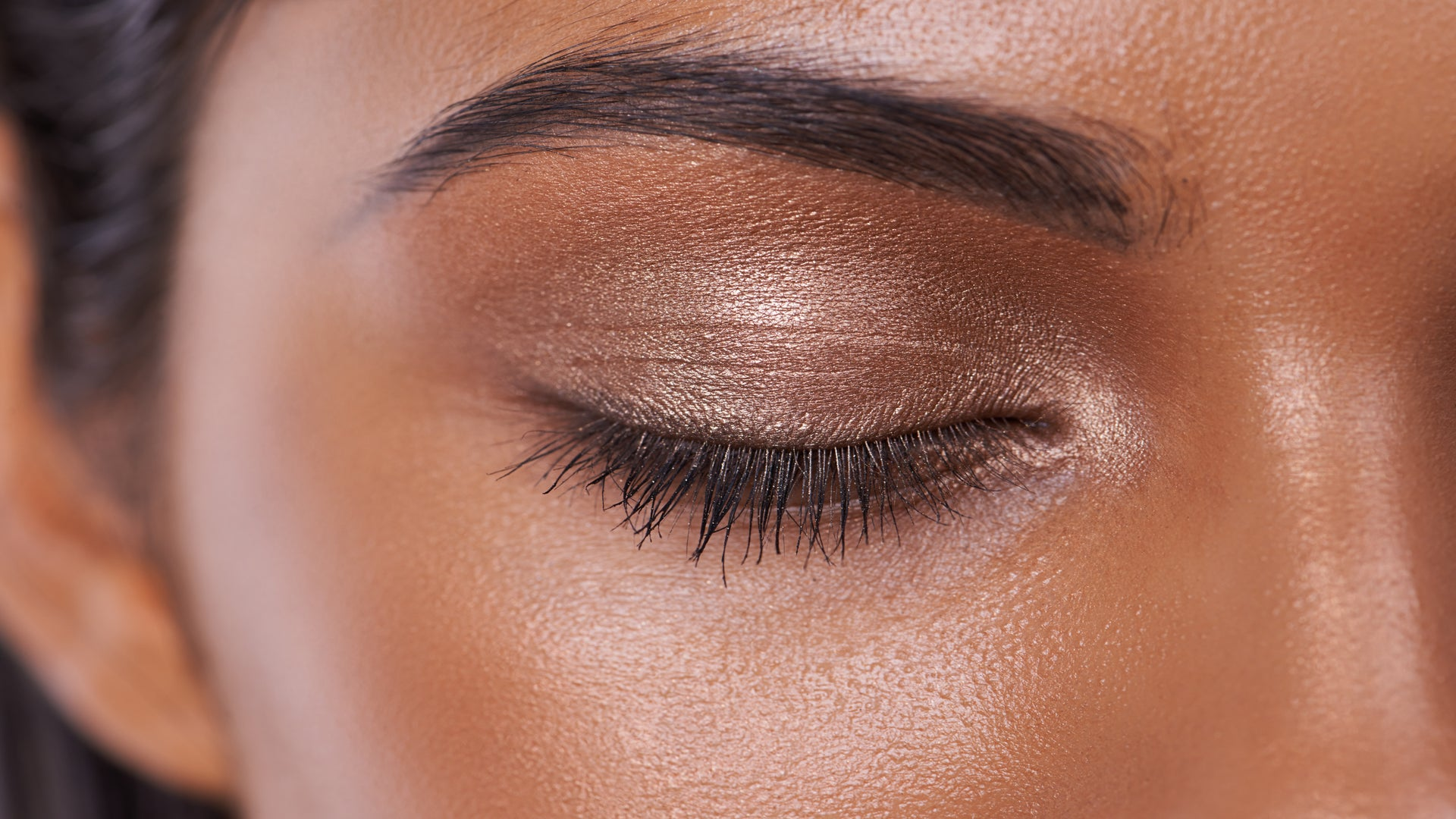 Want to Look Younger? Your Eyebrows May Be the Key, Study Says