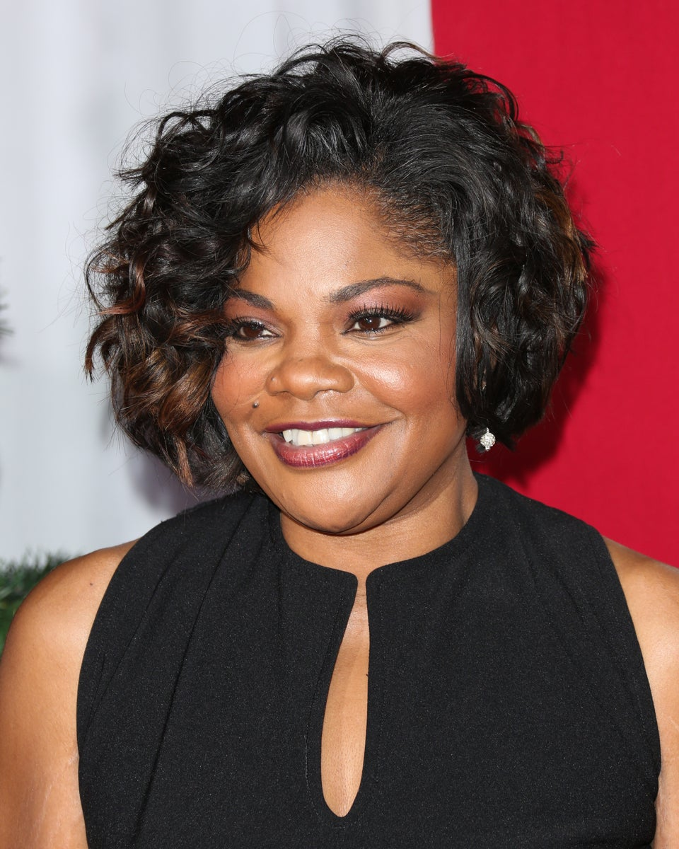 Mo'Nique Defends 'My Sister in Comedy' Roseanne Barr For Racist Tweet 'Mistake'