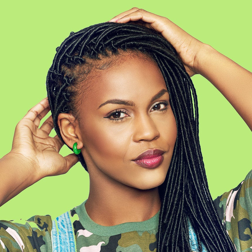 Black Women Are Using Vicks VapoRub On Their Edges And Hair To Make It Grow—Does It Work?