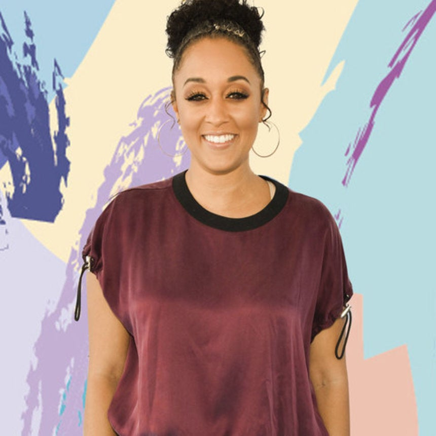 Aww! Tia Mowry Just Gave Fans A Sneak Peek Of Her Newborn Baby Girl and We Can't Wait To Meet Her