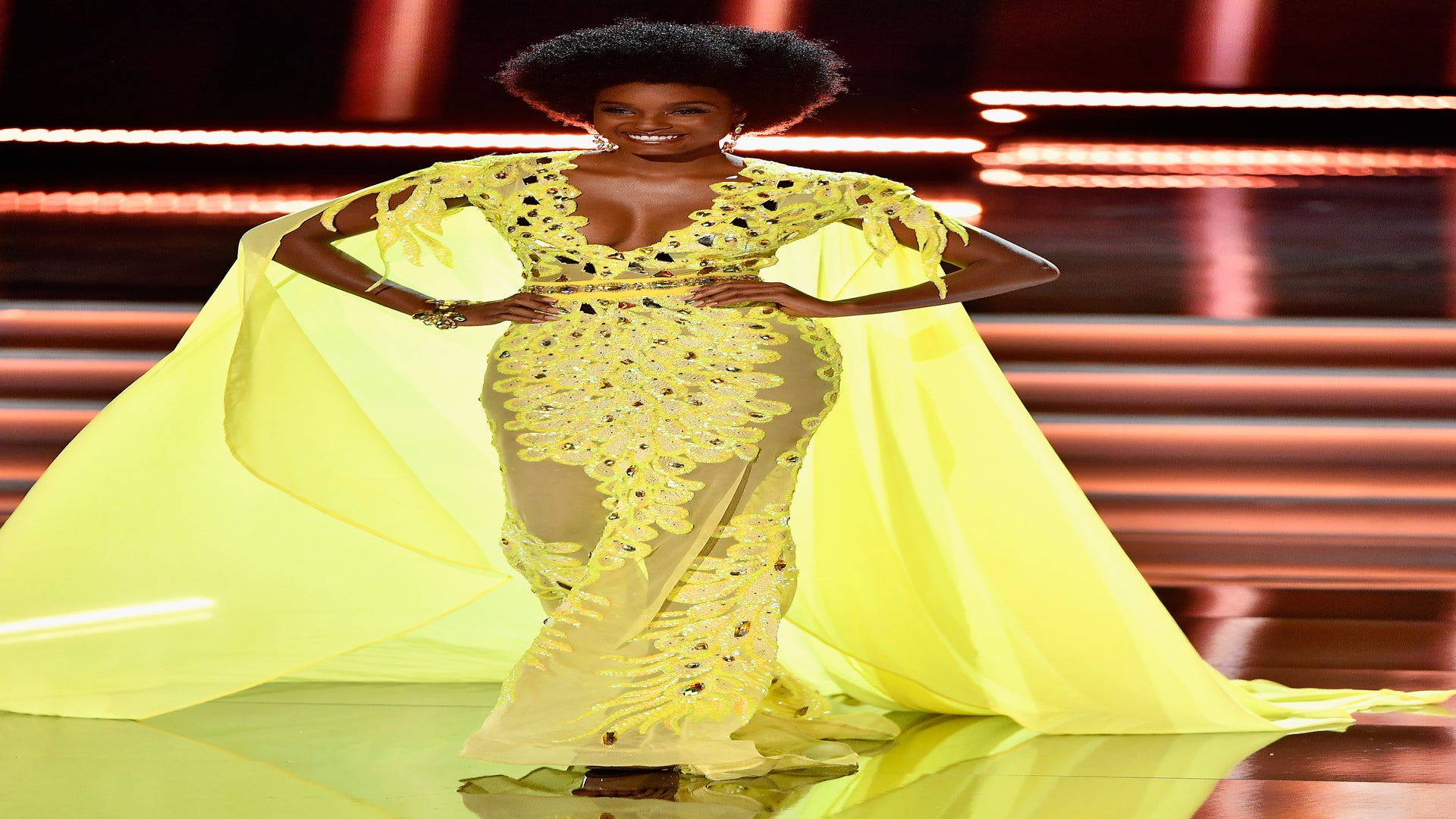 15 Stunning Photos Of Davina Bennett, The Miss Universe Contestant With The Glorious Afro Who's Breaking The Internet