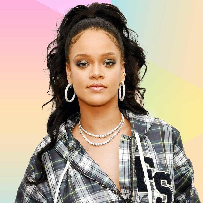 Take My Money: The Way Rihanna Just Showed Off Fenty Beauty's Latest Glowy Product Has Us Shook