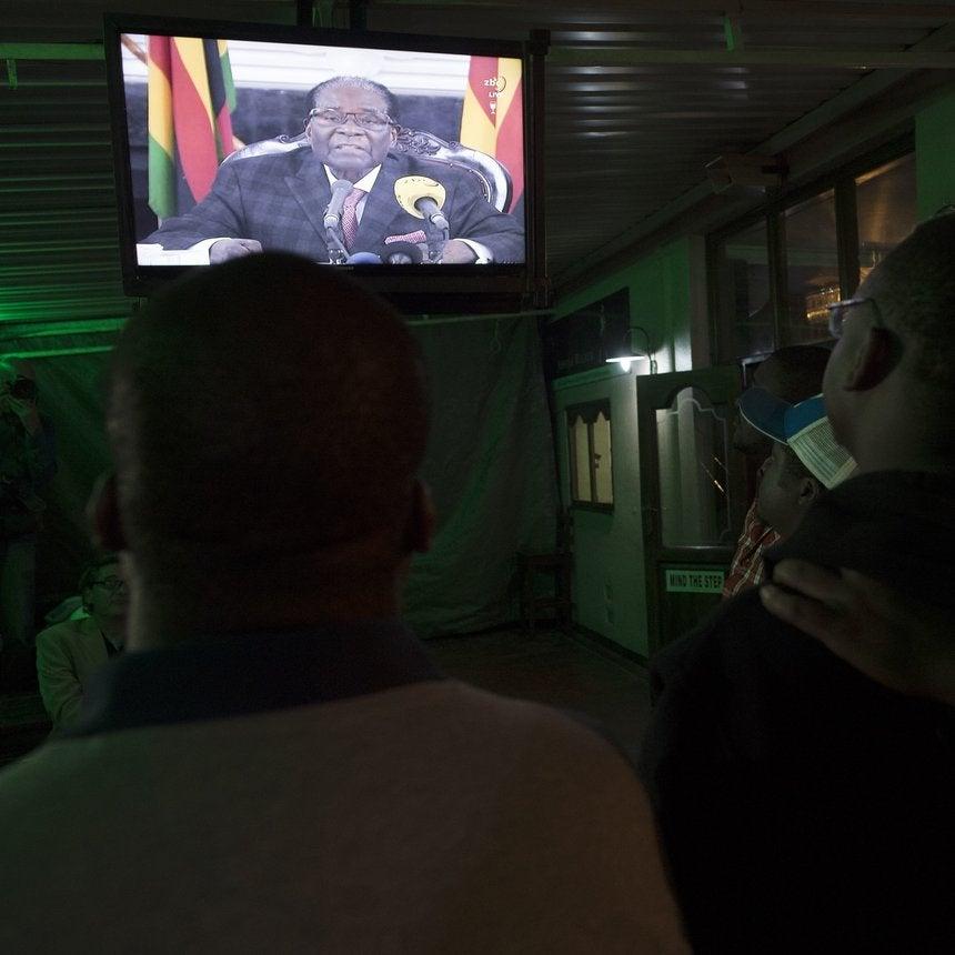 Zimbabwe President Robert Mugabe Shocks Country By Not Resigning In TV Address