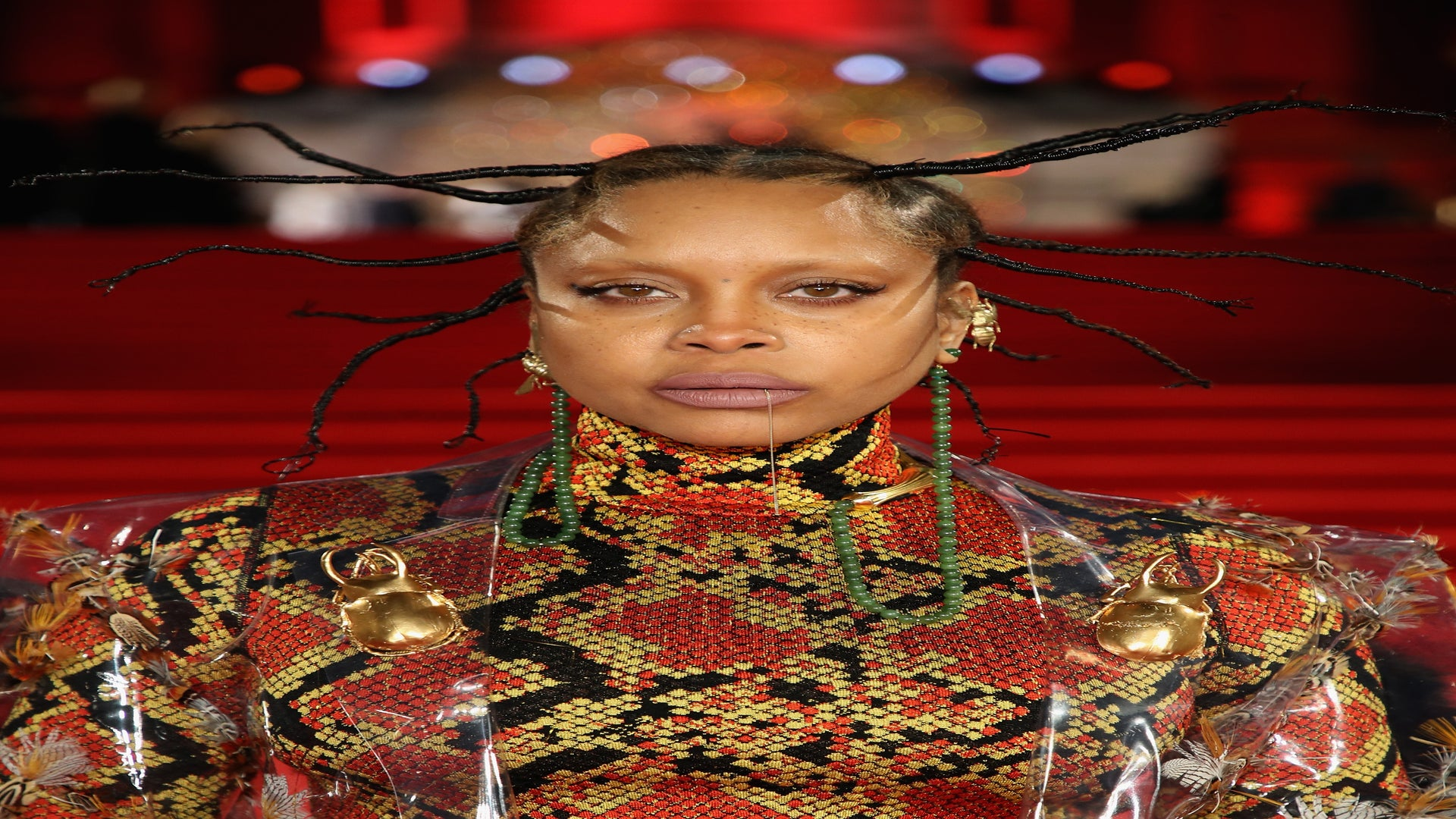 """Erykah Badu Says Stories About A Stalker In Her Home Are """"Overblown"""""""