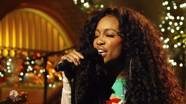 SZA Gives Powerful Performances Of 'The Weekend,' 'Love Galore' On SNL