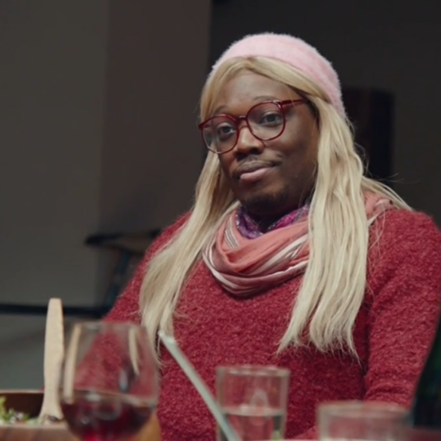 Michael Che Goes Undercover On SNL As A White Woman Named Gretchen