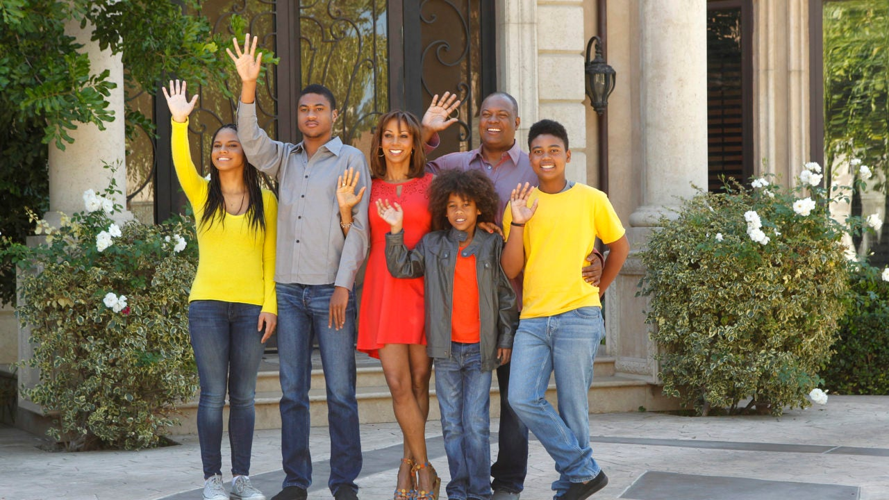 Holly Robinson Peete Recreates Adorable Family Photo With Husband And Kids