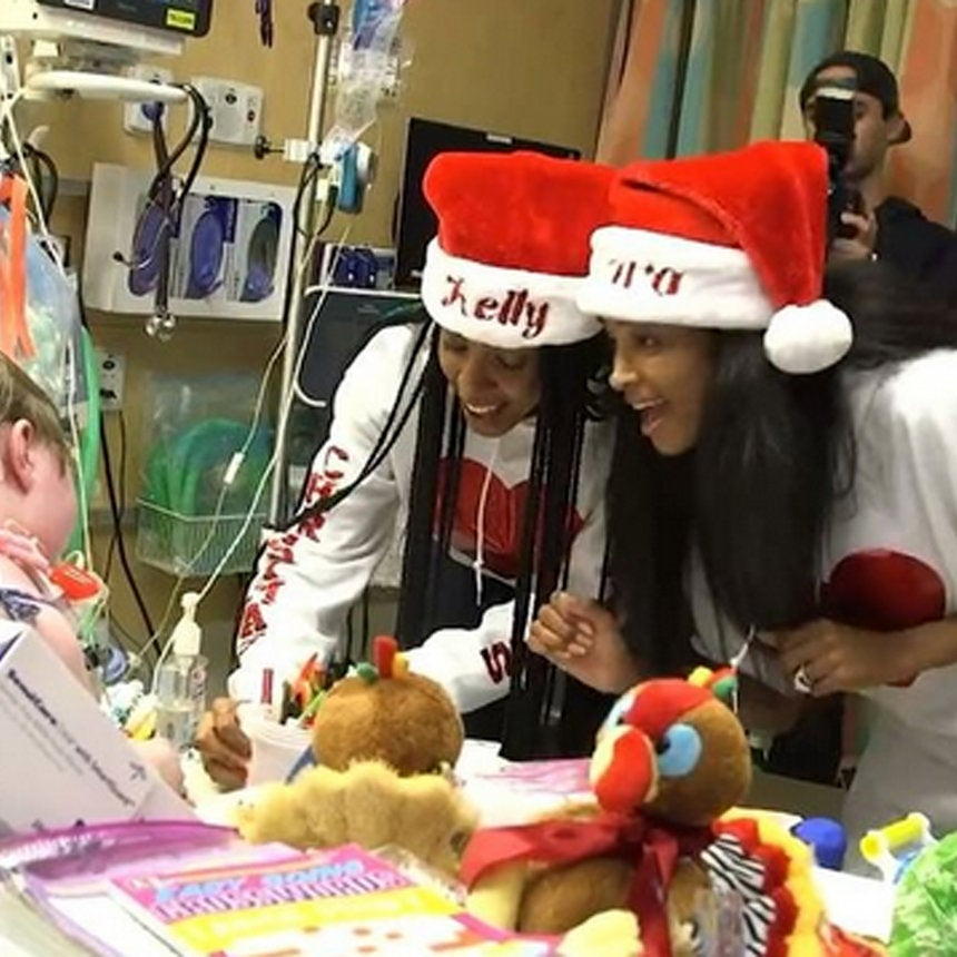 Kelly Rowland And Ciara Sing Christmas Carols To Bring Some Holiday Cheer To Sick Children