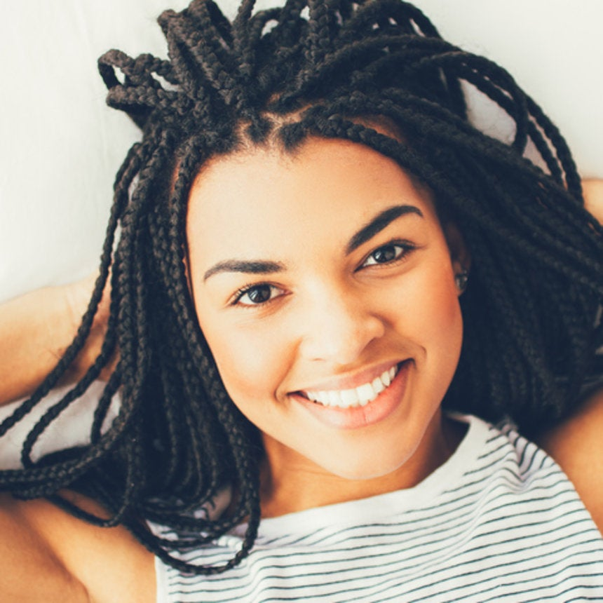 Here's How To Wash Your Box Braids Without Them Getting Fuzzy