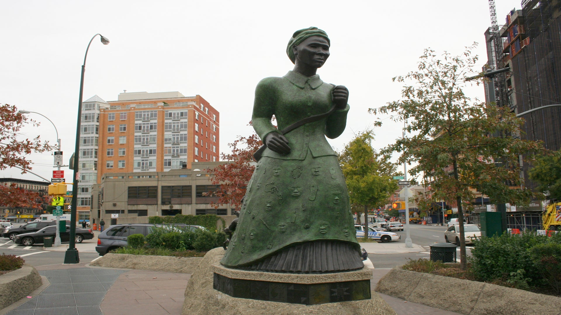 Someone Put A Pink Pu**y Hat On A Harriet Tubman Statue And People Are Not Happy