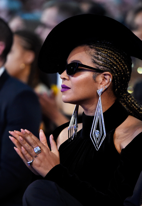 Beyonce's Makeup Artist, Sir John, Explains How to Recreate Her Glowy Grammys Look