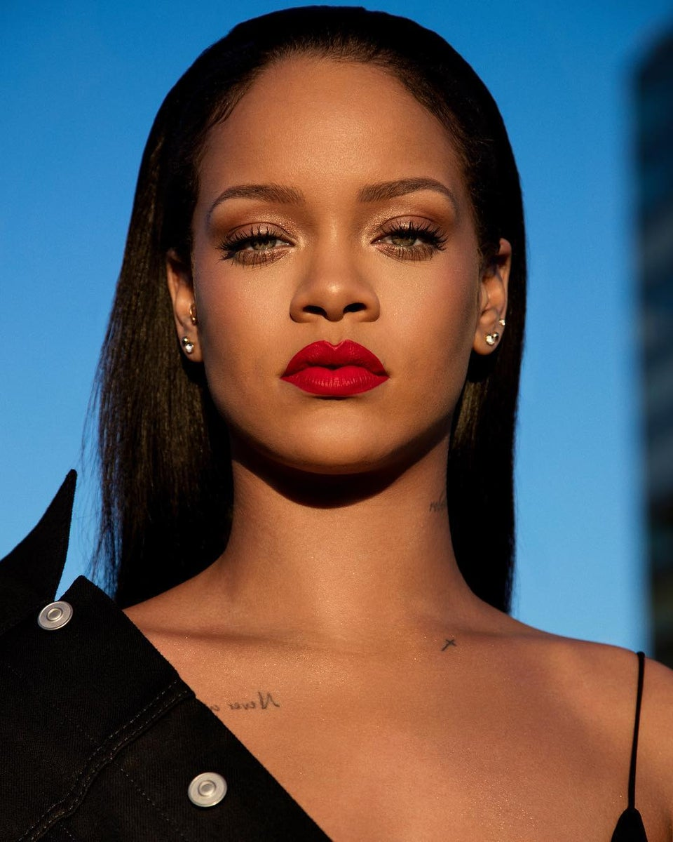 Snapchat Stock Loses Almost $800 Million After Rihanna Claps Back At Offensive Ad