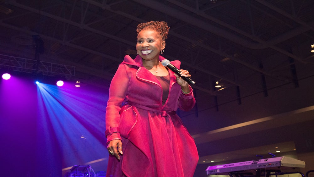 The Quick Read: Iyanla Vanzant Has Some Thoughts On Mo'Nique And Netflix