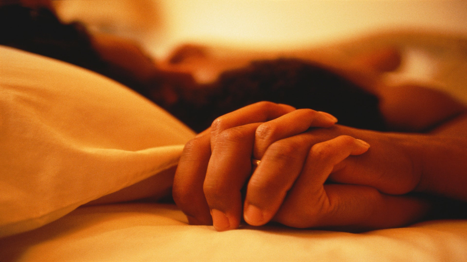A Tale Of Two Bedrooms: Anonymous Couples Get Honest About Their (Oral) Sex Life