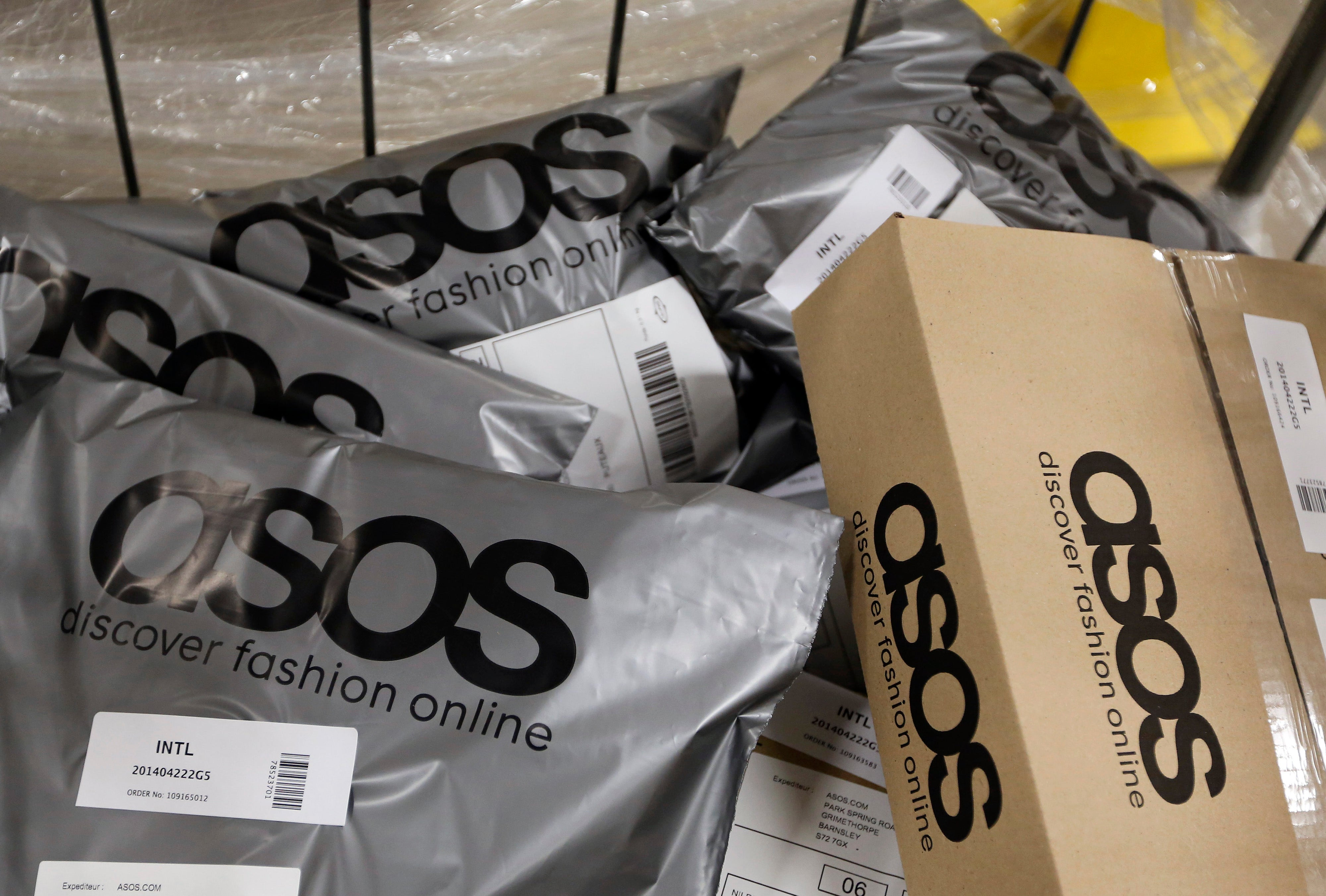 ASOS Is Now Using Different Size Models On Its E-Commerce Site